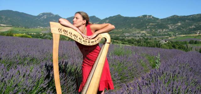 Vanessa Gerkens commence l'étude de la harpe chromatique à l'âge de 7 ans. Après l'obtention de son prix d'excellence et de la Médaille de la Communauté française, elle entre au […]